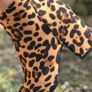 Shoes - Vegan Suede Leopard Animal Zip Up Pointed Booties